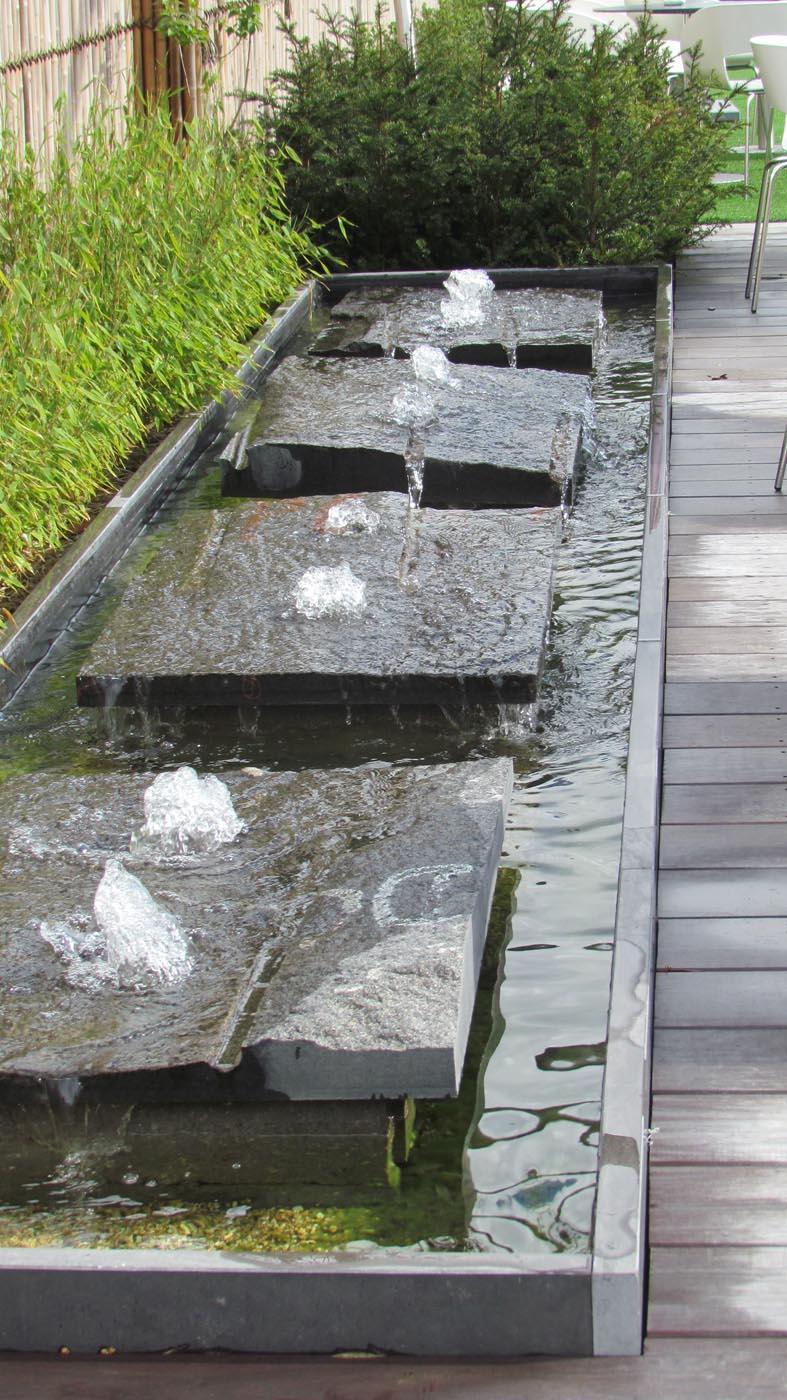 Fonteinen l fontein in tuin l tuinarchitect de roose for Moderne waterpartijen tuin